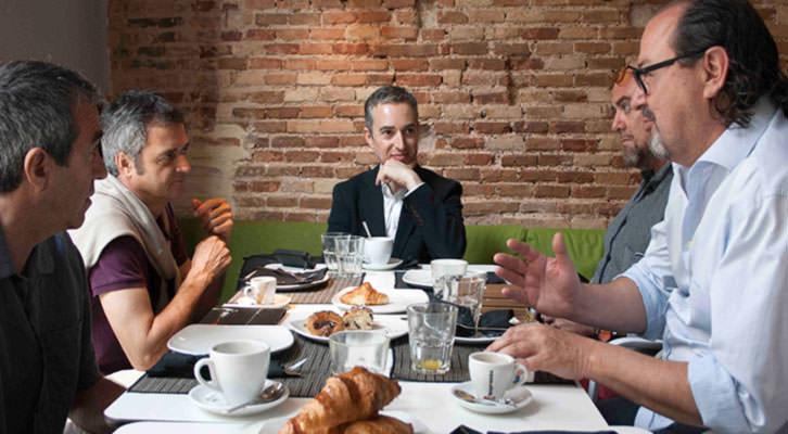 De izda a dcha., Salva Torres, Vicente Chambó, José Luis Pérez Pont, Alberto Adsuara y Carlos Romero en los Desayunos Makma de Lotelito. Foto: Gala Font de Mora.