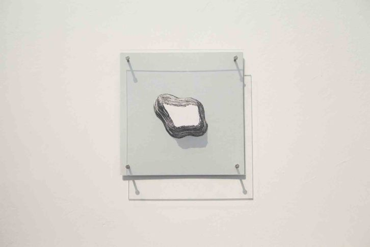 Vista de sala con obra de Hugo Martínez-Tormo. Foto: Nacho López. Imagen cortesía del artista y Galería Kessler Battaglia.