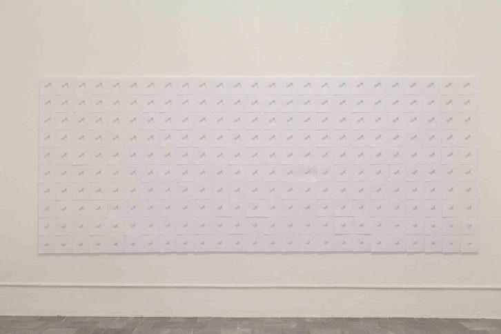 Hugo Martínez-Tormo. String Vibration. Contour lines, 2014. Instalación, erosión con tinta sobre papel. 500 x 200 x 3 cm. Foto: Nacho López. Imagen cortesía del artista y Galería Kessler Battaglia.
