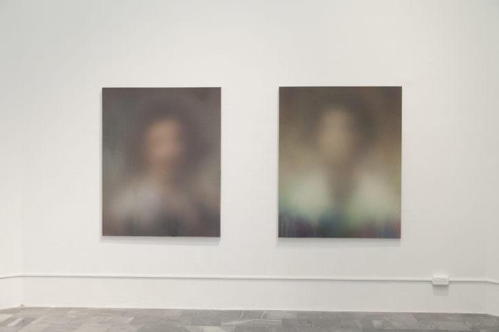 Vista de sala con la obra de Miaz Brothers en Ver visiones. Foto: Nacho López. Imagen cotesía de los artistas y Galería Paz y Comedias.