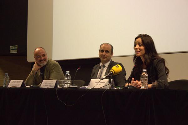 De izquierda a derecha, Rafael Maluenda, Manuel Tomás y Ana Álvarez, en la presentación de Cinema Jove en la Sala Berlanga. Imagen cortesía de Cinema Jove.