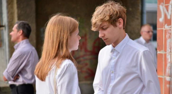 Eliza Rycembel y Mateusz Wieclawek en un fotograma de 'Obietnica', de Anna Kazejak. Festival Internacional de Cine de Valencia - Cinema Jove.
