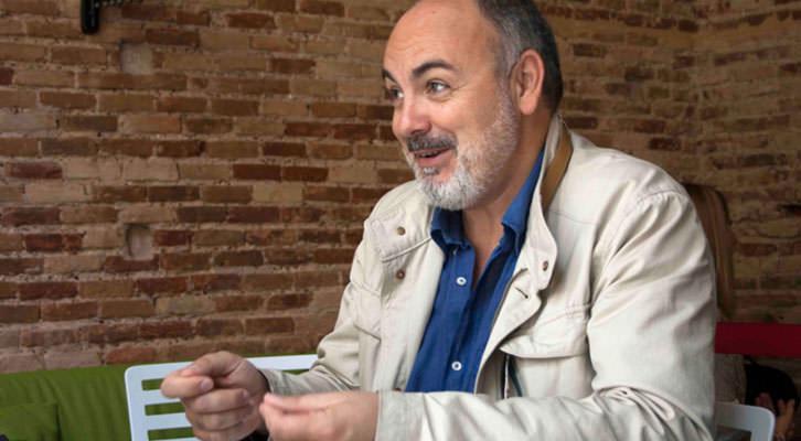 Rafael Maluenda, director de Cinema Jove, en un momento de los Desayunos Makma en Lotelito. Fotografía: Gala Font de Mora.