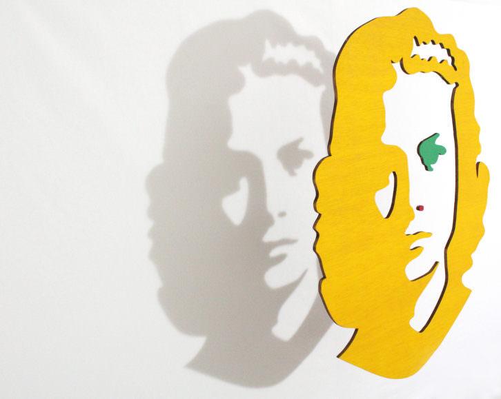 Grace Kelly en la obra de Luis Rivera para la exposición 'Hitchcock's shadows'. Imagen cortesía de la galería Alba Cabrera.