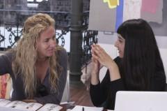 Lorenza Barboni con una participante en la primera jornada de Art Dating2. Foto: Lola Calzada. Imagen cortesía de AVVAC.
