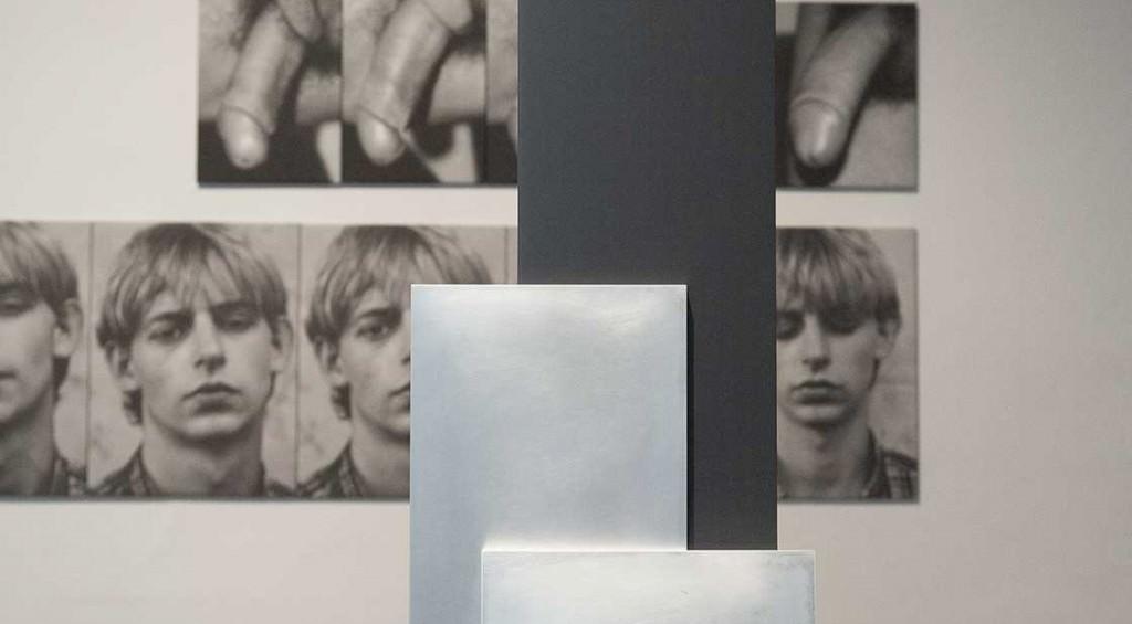 Vista de sala con obras de Amparo Tormo y Darío Villalba. Foto: Nacho López. Imagen cortesía de los artista y galerías Thema y Luis Adelantado.