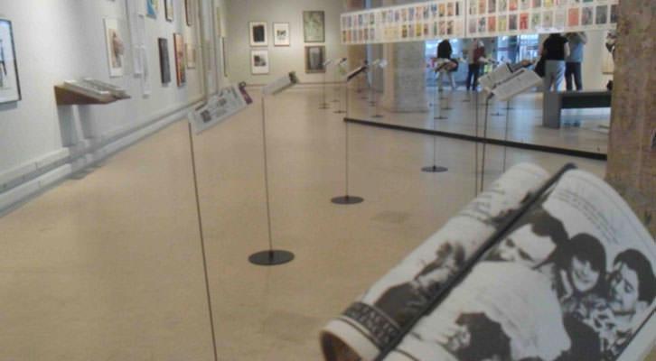Vista de la exposición por los 50 años de la Cartelera Turia en La Nau de la Universitat de València.
