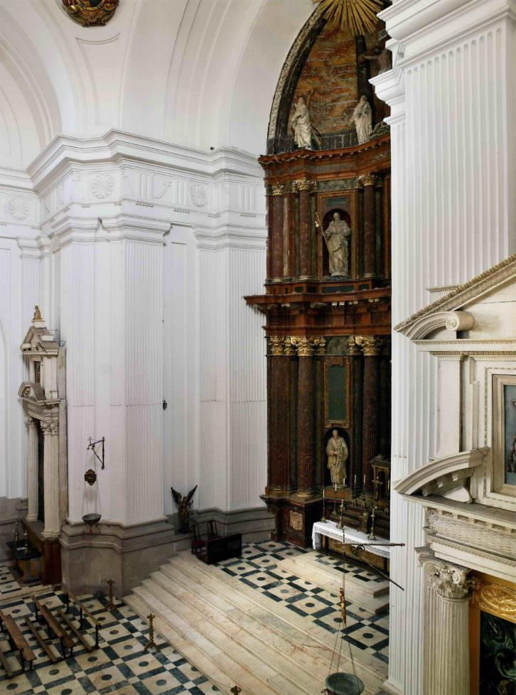 Joaquín Bérchez. Capilla y retablos del Hospital Tavera. Imagen cortesía del autor.