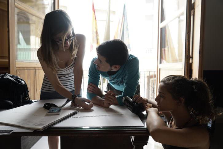 Jóvenes del concurso Visual Talent, durante la prueba en el Círculo de Bellas Artes de Valencia. Fotografía: Mario Marco.