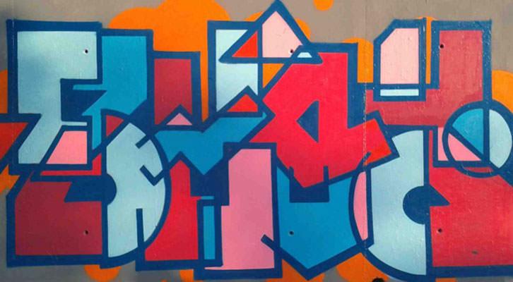 Graffiti de Eduardo Salvador en el Festival Mislatas Representan. Imagen cortesía del autor.