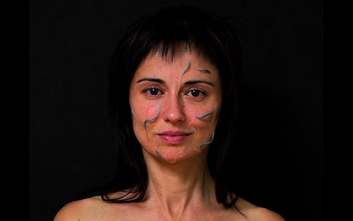 'Red' de Marina Núñez en '¿A qué huele una exposición?' de la colección olorVISUAL. Imagen cortesía de LABoral Centro de Arte y Creación Industrial.