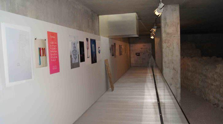 Exposición 'Tipos característicos' que se exhibe en la Sala de la Muralla del MuVIM. Imagen cortesía del MuVIM de la Diputación de Valencia.