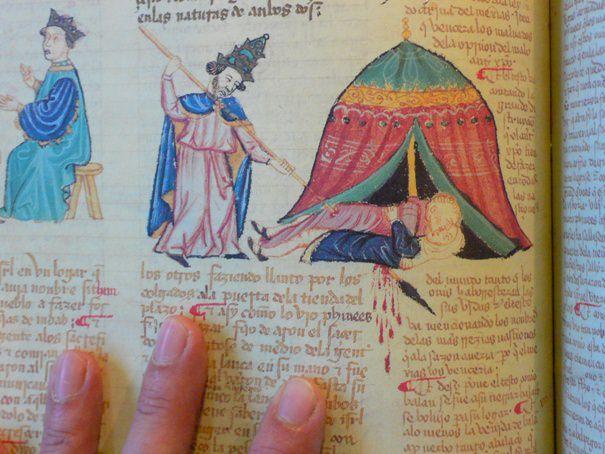 Detalle de la Biblia de la Casa de Alba