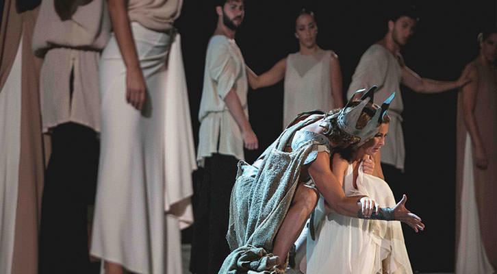 Escena de la obra 'Medusa', de Sara Baras. Festival d'Estiu Sagunt a Escena. Imagen cortesía de la autora.