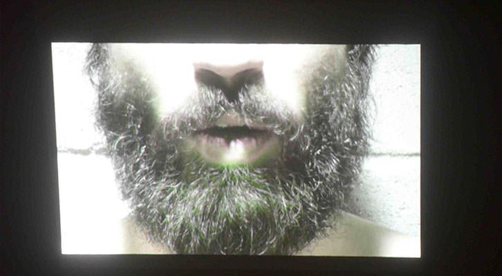 Detalle de la instalación de Aris Spentsas en la exposición PAM! del Centro del Carmen.