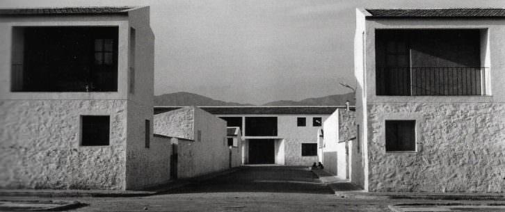 Kindel, Poblado de colonización de san Isidro de Albatera, de José Luis Fernández del Amo (Alicante, 1956)