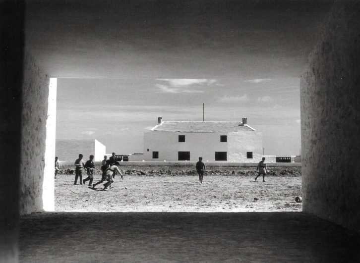 Kindel, Poblado de colonización de san Isidro de El Realengo, de José Luis Fernández del Amo (Alicante, 1960)