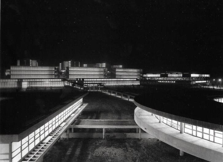 Pando, Universidad Laboral de Cheste, de Fernando Moreno Barberá (Valencia, 1970)