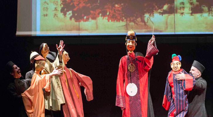 Escena de Les 1001 Nits, de Vicent Vila, en el Escalante. Imagen cortesía del Escalante Centre Teatral de la Diputación de Valencia.