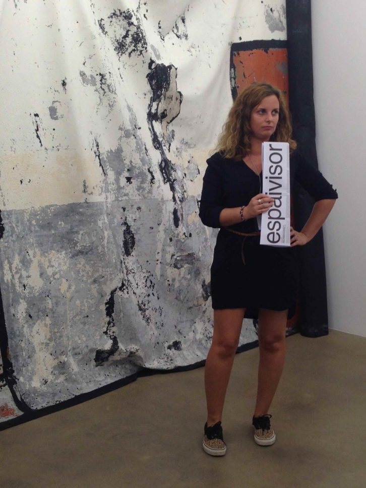 Gemma Gil, de Avalem, exponiendo algunas claves de Espaivisor. Imagen de Merche Medina.