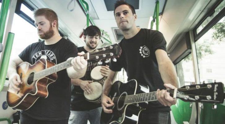 Uno de los grupos que participa en 'FeCStival on the Road', evento pionero de música en los autobuses urbanos de Castellón.