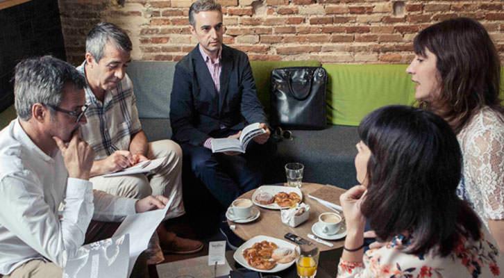 De izquierda a derecha, Vicente Chambó, Salva Torres, José Luis Pérez Pont, Meritxell Barberá e Inma García, durante los Desayunos Makma de Lotelito. Fotografía: Lola Alarcó.