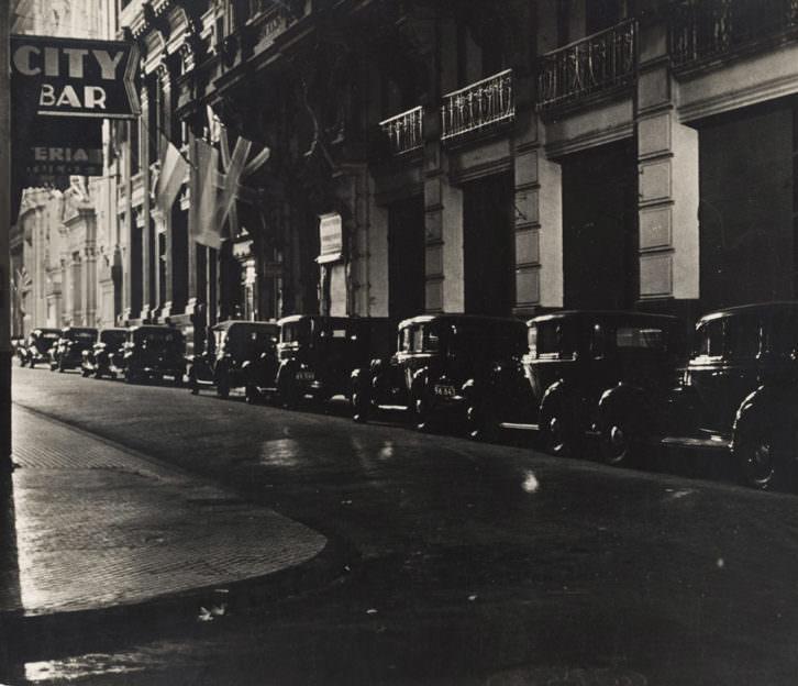 Fotografía de Horacio Coppola en la exposición 'Paisaje urbano en la colección fotográfica del IVAM'. Imagen cortesía del IVAM.