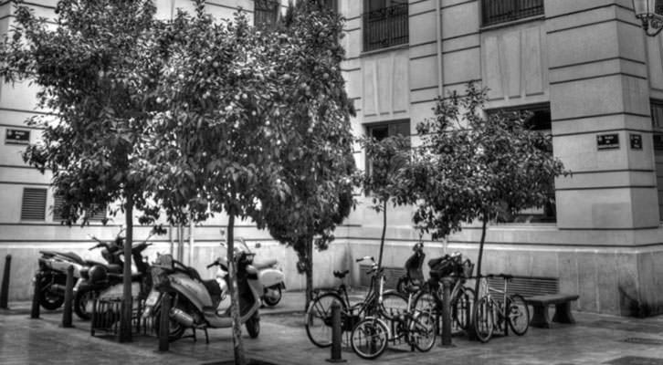 Plaza en la que nació Lluis Vives. Imagen cortesía del autor.