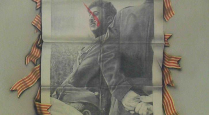 Obra del Equipo Realidad en la exposición 'Mestres de ciutadania', en La Nau de la Universitat de València.