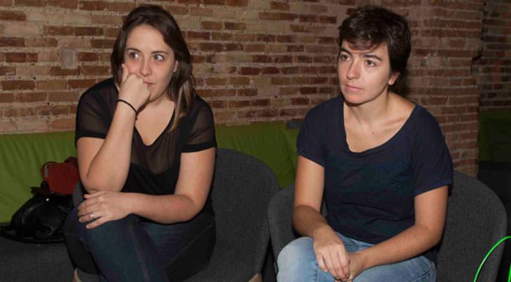Marta Pina (izquierda) y Eva Mengual, en un momento de los Desayunos Makma de Lotelito. Foto: Fernando Ruiz.