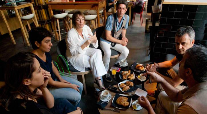 De izquierda a derecha, Marta Pina, Eva Mengual, Merche Medina, José Ramón Alarcón, Vicente Chambó y Salva Torres, en un momento de los Desayunos Makma de Lotelito. Foto: Fernando Ruiz.