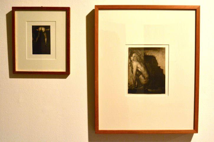 """""""Mon cul"""" y """"Emmanuel Arsan"""", de Pierre Molinier. Fotografía de Jose Ramón Alarcón."""