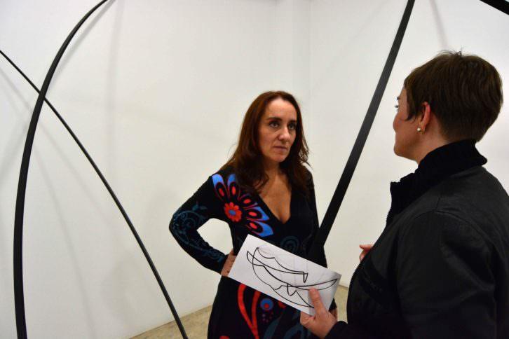 Mayte Alonso conversa acerca de su obra con Merche Medina.