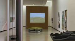 Instalación dentro de la muestra 'El Contrato', de Bulegoa en Alhóndiga Bilbao. Imagen cortesía de la organización.