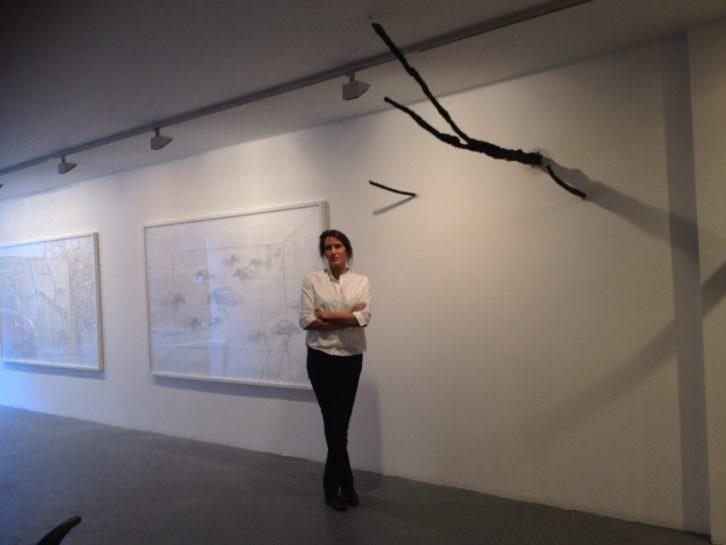 La artista mallorquina Amparo Sard en Maddox Arts de Londres. Foto: Miguel Mallol.