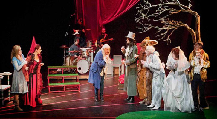 Escena de 'Alicia en Wonderland', de Chema Cardeña. Sala Russafa