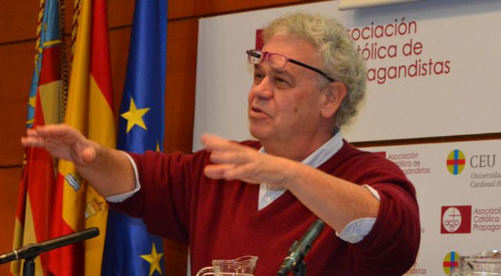 José Luis García Berlanga en un momento de su intervención en las jornadas de cine de la Cátedra Berlanga en el Palacio de Colomina. Imagen cortesía de la Universidad CEU Cardenal Herrera.