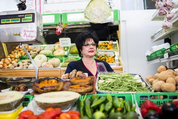 Esperanza en el Mercado Mossen Sorell. Qui és qui. Foto: Eva Máñez