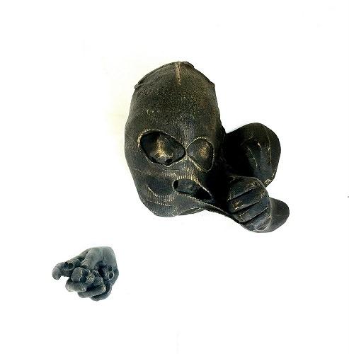 Estiramiento (2014), Lidó Rico. Bronce, medidas variables. Imagen cortesía de la organización