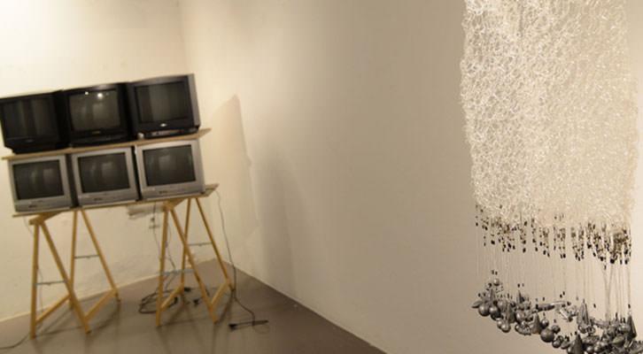 Imagen de la exposición Mar-Mar del Octubre Centre de Cultura Contemporània. Cortesía de Mostra Viva.