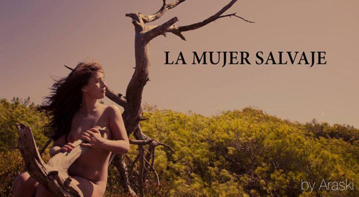 Imagen de la exposición La mujer salvaje, de Araski, en Labelle Coffee.