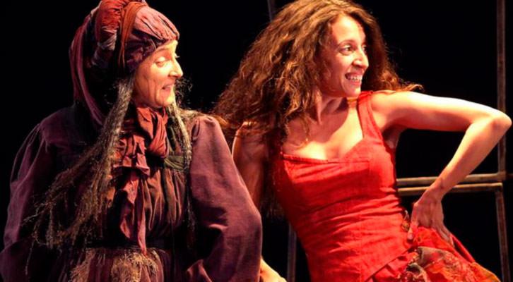 Escena de 'La Celestina, la tragicomedia', que se presenta en Sala Russafa. Compañía Atalaya