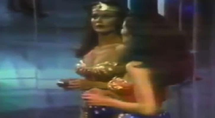 Imagen del video de Dara Birnbaum en la exposición 'En Tránsito' del IVAM.
