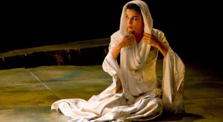 Sandra Rivero como 'La Hermosa Jarifa', de Borja Rodríguez. Cortesía de Teatro Flumen.