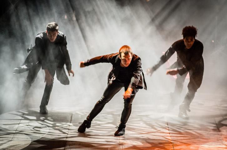 Escena del espectáculo homenaje a Mecano 'La fuerza del destino'. Imagen cortesía de Teatro Olympia.