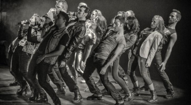 Escena de 'La fuerza del destino. Espectáculo homenaje a Mecano'. Imagen cortesía de Teatro Olympia.