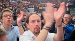 Pablo Iglesias e Iñigo Errejón, durante el mitin en el pabellón Fuente de San Luis en Valencia. Europa Press.