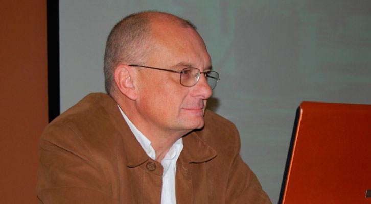 González Requena, del texto y el abismo