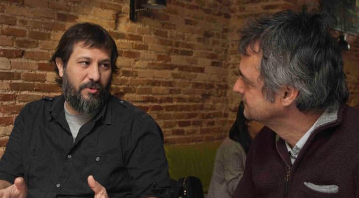 Sergi Pitarch, en un momento de los Desayunos Makma en Lotelito, junto a Vicente Chambó. Fotografía: Fernando Ruiz.