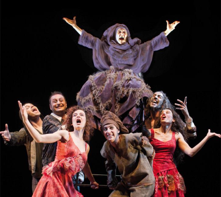 Escena de 'La Celestina, la tragicomedia', de la compañía Atalaya. Imagen cortesía de Sala Russafa.
